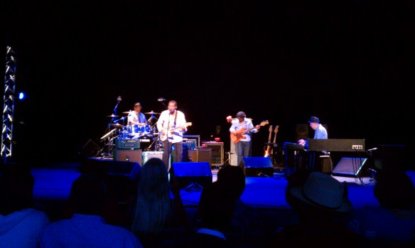 Robert Cray Band (l-r) Les Claypool, Robert Cray, Richard Cousins, Jim Pugh